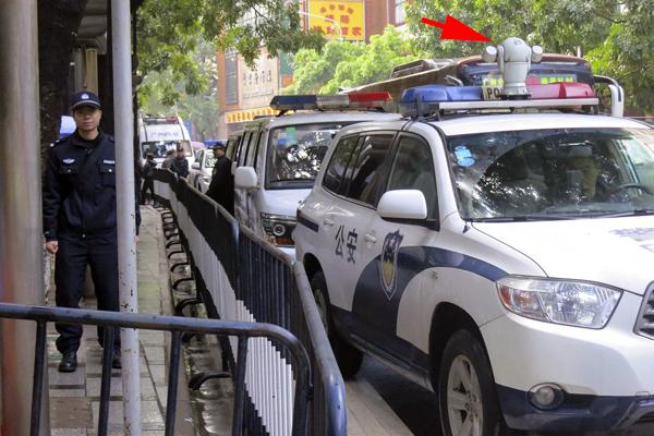 voiture de police high tech